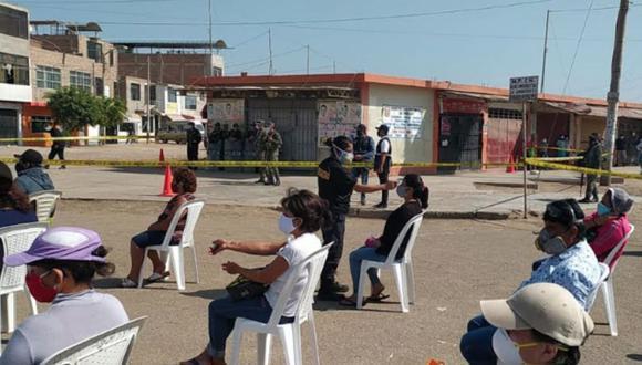 El alcalde de Chiclayo, Marcos Gasco Arrobas, anunció que el mercado sera desinfectado en los próximos días.