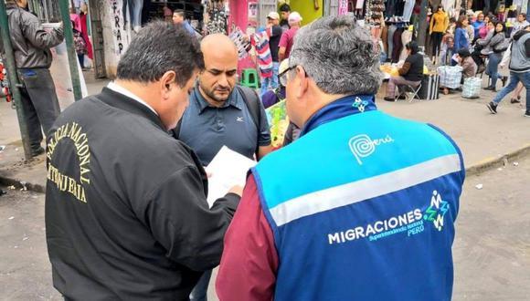 Según Migraciones, el objetivo del operativo es comprobar si los extranjeros contaban con la documentación en regla y para exhortarlos a regularizar su situación migratoria. (Facebook)