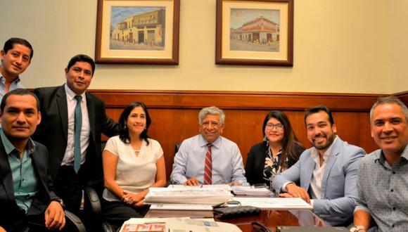 Funcionarios de La Molina y Surco se reunieron con representantes de la Municipalidad de Lima para diseñar el proyecto. (Foto: Facebook / Municipalidad de La Molina)