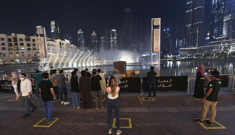 Pese a las medidas contra el coronavirus, Dubái intenta recuperar el lujo con el pasar de los días. (Karim SAHIB / AFP).