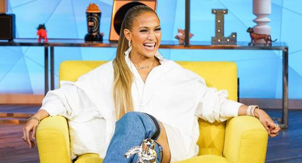 Un detalle en el outfit de Jennifer Lopez se robó las miradas: las botas-jean que llevaba puestas. (Getty)