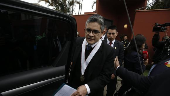 La tiene clara. Fiscal José Domingo Pérez encabezó ayer las diligencias. (Foto: GEC)