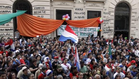 MÁS PROTESTAS. Las manifestaciones pacíficas a favor de Fernando Lugo van en aumento. (Reuters)