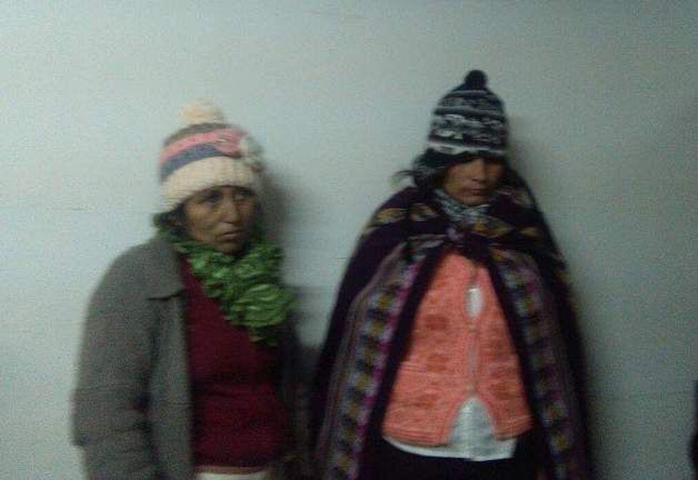 Mujeres detenidas en posesión de la cocaína.