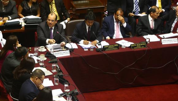 EXPUSIERON. A la sesión asistieron los ministros Castilla y Merino. (Rafael Cornejo)