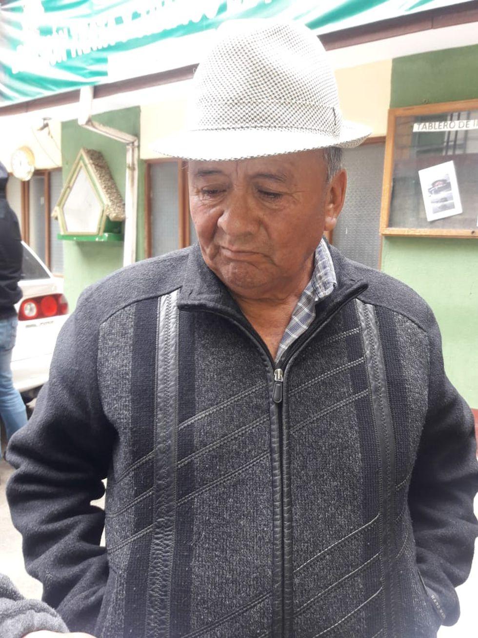 Domingo Rojas, padre del joven que huyó con el dinero. (Foto: Erbol)