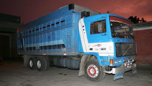Hallan productos de contrabando en camiones. (USI/Referencial)