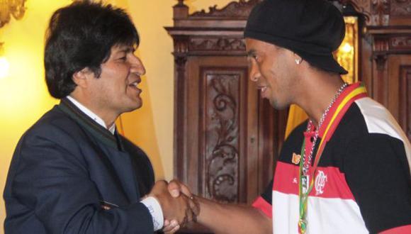 Dinho agradeció el homenaje y el cariño del pueblo boliviano. (Reuters)