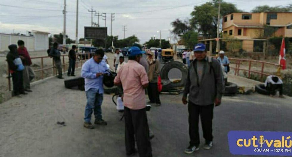Paro agrario: No hay pase hacia Catacaos ni Chiclayo debido al bloqueo de la vía Panamericana. (Fotos: nRadio Cutivalú)