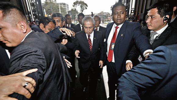 SIN RESPALDO. El titular del Ministerio Público es sindicado de integrar la organización criminal Los Cuellos Blancos del Puerto. (Perú21)
