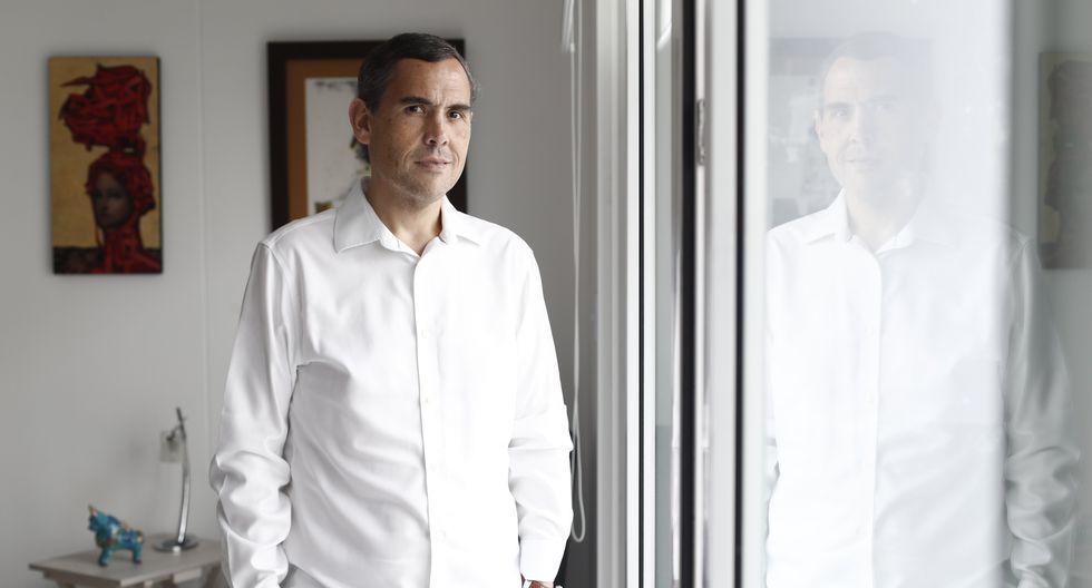 """""""Miguel Grau es un personaje fuera del mundo, el prototipo universal de la caballerosidad y el honor. Hoy nos hace falta un personaje como él"""", declara el abogado (César Campos/Perú21)."""