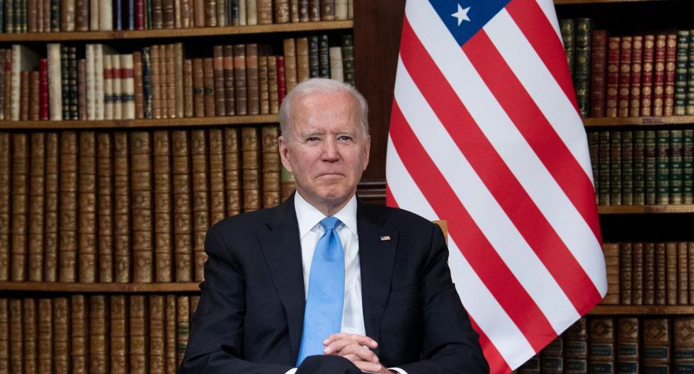 El presidente de los Estados Unidos, Joe Biden, posa para los fotógrafos antes de la cumbre con Vladimir Putin en la Villa La Grange, en Ginebra, el 16 de junio de 2021. (Brendan Smialowski / AFP).
