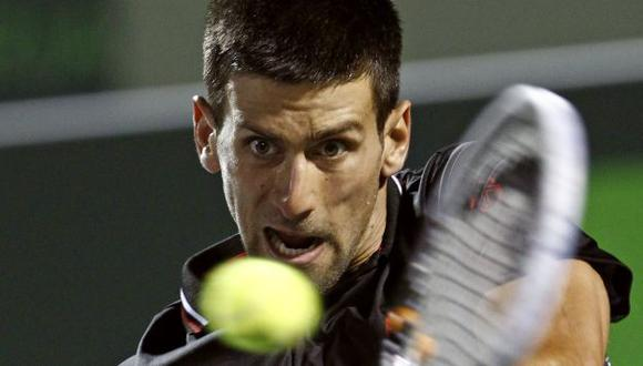 Djokovic sale al ruedo. (Reuters)
