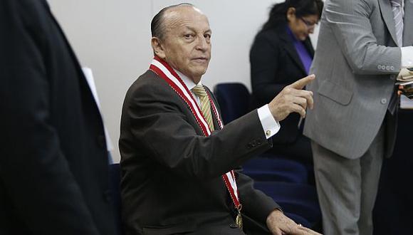 En salmuera. José Peláez presentó un informe oral pero no convenció a los consejeros. (Martín Pauca)