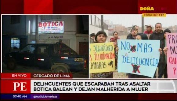 Ana Espinoza Vera se encontraba cenando junto a su hija cuando salió de su vivienda y fue baleada. Su estado de salud es delicado.