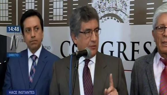 El congresista detalló a la prensa que esta comisión investigará todas las gestiones ministeriales. (Foto: Captura Canal N)