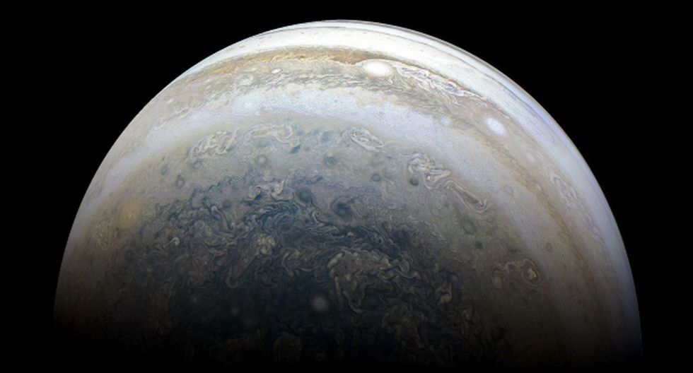 El planeta que impactó con Júpiter se hundió y fue consumido por el gigante del sistema solar. En la foto, la NASA muestra el hemisferio sur de Júpiter capturado por la nave espacial Juno. (Foto: AFP)