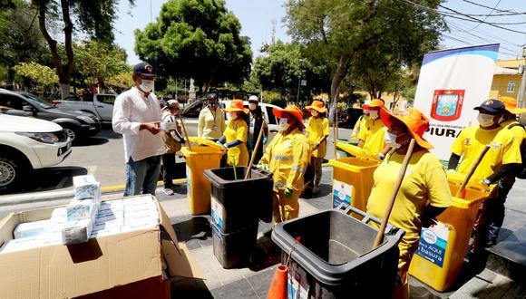 El alcalde de Piura exige que se les tome periódicamente pruebas de descarte de coronavirus a los trabajadores de limpieza y a los serenos. (Foto: Municipio de Piura)