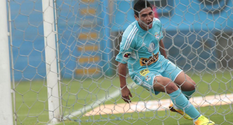 Ávila metió tres goles. (César Fajardo)