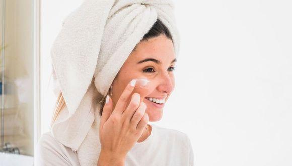 Todos los días humecta tu piel y usa un procedimiento estético antiedad. (Foto: Difusión)
