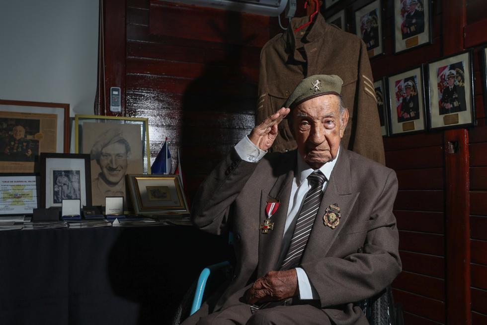 El veterano peruano de la Segunda Guerra Mundial, Jorge Sanjinez Lenz, participó en la campaña de Normandía y la liberación de Bélgica y Holanda integrando la brigada belga Pirón. (Foto: Ministerio de Defensa)