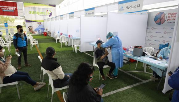 Hoy continúa inmunización para personas de 47 años a más que deban recibir su segunda dosis, informa Minsa. (Foto: Jessica Vicente/@photo.gec)