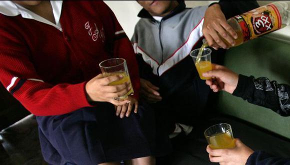 40% de menores de edad iniciaron su consumo de alcohol por sus propios padres. (USI)