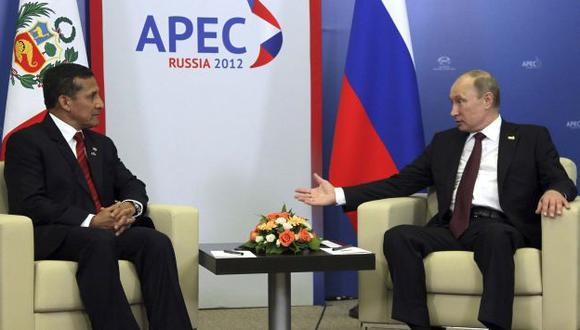 Unión regional. El presidente Humala y su homólogo ruso Putin durante el foro Asia-Pacífico. (Reuters)
