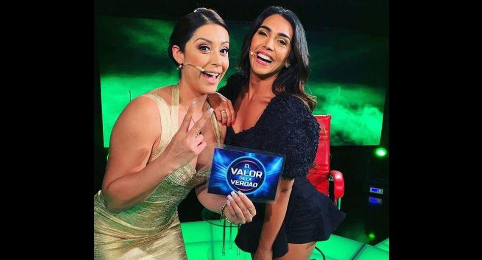 Karla Tarazona y Vania Bludau en divertida fotografía en 'El Valor de la Verdad'.   Instagram