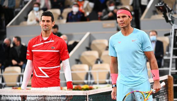 Rafael Nadal y Novak Djokovic se enfrentaron en la final de Roland Garros 2020 y dejaron estas postales. (Foto: AFP)