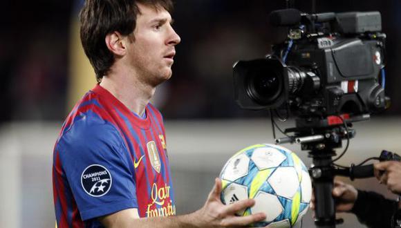El delantero argentino se llevó a su casa el balón del encuentro. (Reuters)