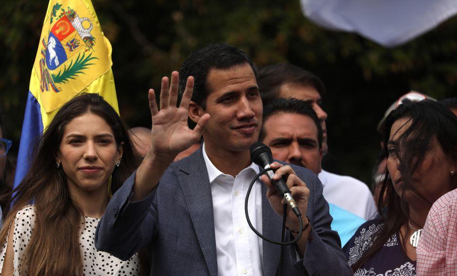 """""""Vamos a seguir hasta lograr el cese de usurpación, un gobierno de transición y elecciones libres"""", aseguró Juan Guaidó. (Foto: EFE)"""