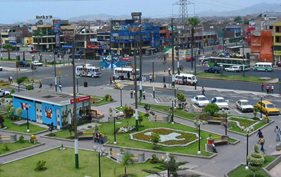 Plaza de Armas de Los Olivos