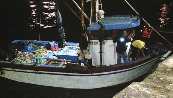 Embarcaciones fueron puestas a disposición de la Policía porque cometían flagrante delito. (USI)