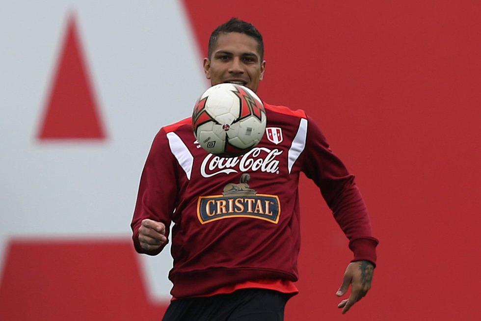 Suspensión a Guerrero por un resultado analítico adverso en el control antidopaje del Argentina-Perú por Eliminatorias se redujo de un año a seis meses, sin embargo, el delantero apeló la decisión ante el TAS para la absolución de su pena. (REUTERS)