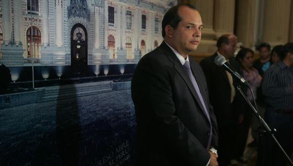 EMPIEZA LA REFORMA. Ministro Castilla reiteró que no crecerá la carga tributaria de los trabajadores. (Martín Pauca)