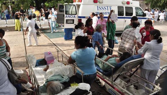 Evacuación de pacientes del hospital Vicente Guererro en Acapulco después del sismo. (AFP)