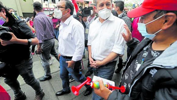 Ollanta Humala lleva en su plancha presidencial a Ana María Salinas y Luis Alberto Otárola. (Foto: GEC)