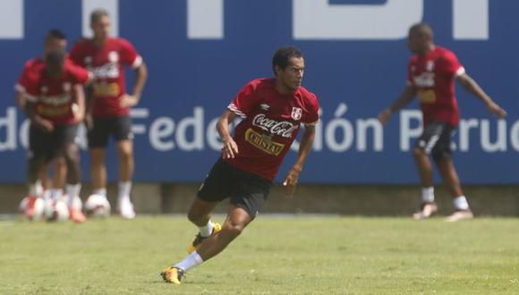 Carlos Lobatón sigue en duda para partido de la selección peruana ante Uruguay. (USI)