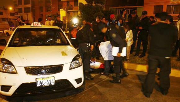 TIROTEO EN EL CALLAO. Uno de los vehículos usados por los maleantes presentaba impactos de bala. (José Caja/USI)