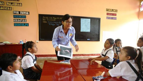 El bono de atracción a la Carrera Pública Magisterial será entregado a los maestros beneficiarios en partes de 6.000 soles cada una por tres años. (Foto: Andina)