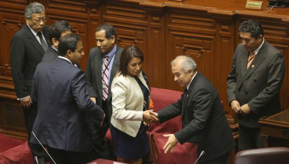 RESPALDO OFICIALISTA. Bancada oficialista destacó la gestión de la presidenta de la televisora estatal. (Martín Pauca)