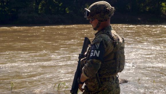 Las autoridades mexicanas realizan desde hace años operativos para capturar migrantes en el territorio, pero casi nunca al borde de la frontera norte.(Foto: EFE)