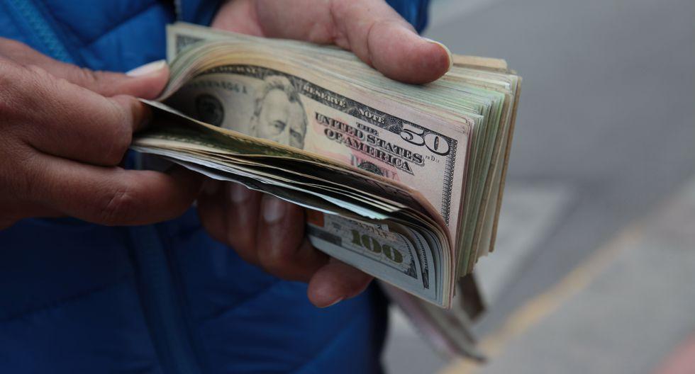 En el mercado paralelo o casas de cambio de Lima, el tipo de cambio se cotiza a S/3.420. (Foto: GEC)