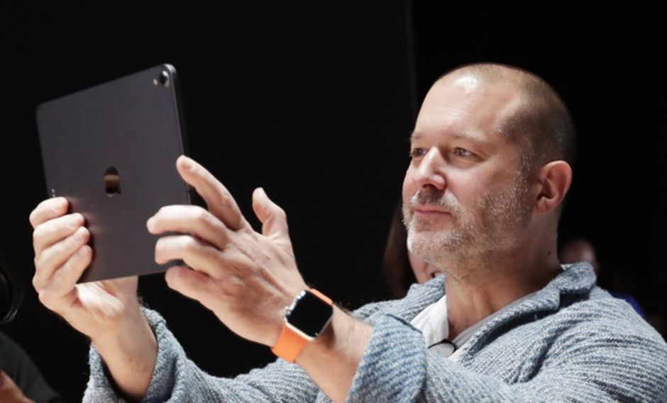 El veterano jefe de diseño de Apple, Jony Ive, mientras participa en la Conferencia mundial de desarrolladores de Apple. (Foto: EFE)