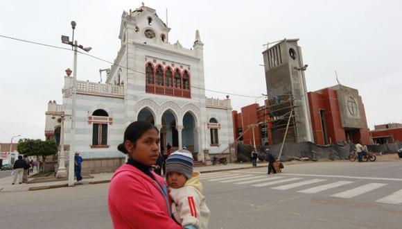 El palacio municipal fue el único patrimonio histórico que quedó en pie en Pisco. (Andina)