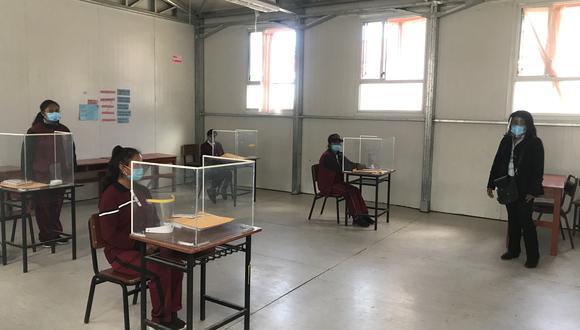 Estudiantes del Colegio San Cristóbal  en Arequipa, no saben si este año volverán a clases presenciales como lo hicieron en el 2020 (Foto: Zenaida Condori)