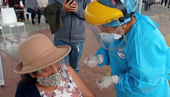 Las vacunas que se aplican en el Perú requieren de dos dosis. (Foto: Minsa)
