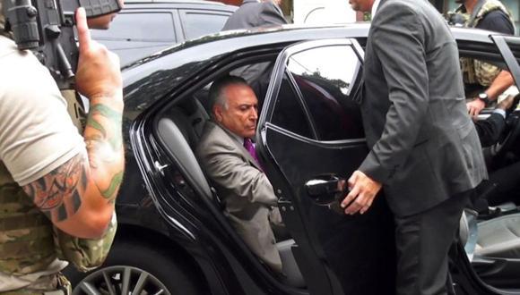 En las próximas horas se espera que Temer sea interrogado por la Policía Federal para prestar su primera declaración sobre los hechos de los que le acusan. (Foto: AFP)