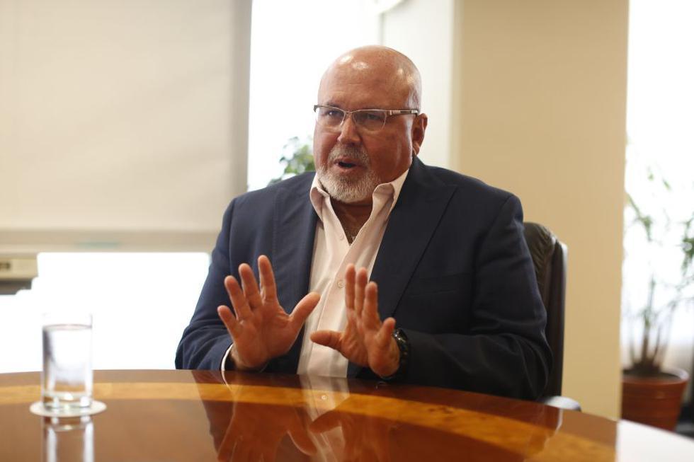 El congresista Carlos Bruce espera que en la reunión con el premier se superen las razones que los distanciaron del Gobierno. (Perú21)